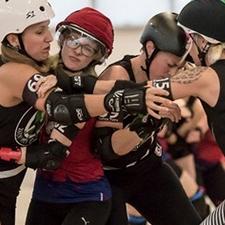 Wo die Rollergirlz gegen die Hell's Ass Derby Girlns antreten