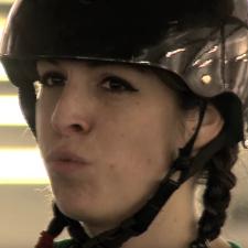 Video: Rollerderby nichts für schwache Frauen
